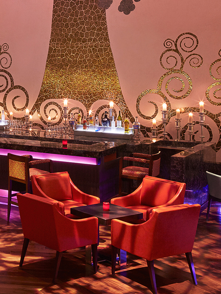 Tiqri Bar & Lounge
