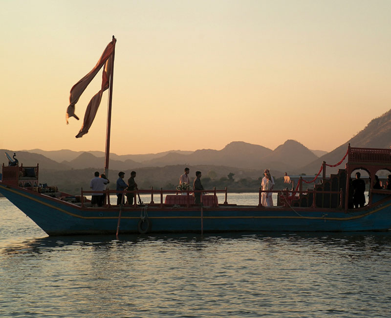 Dining Experience On The Royal Gangaur Boat